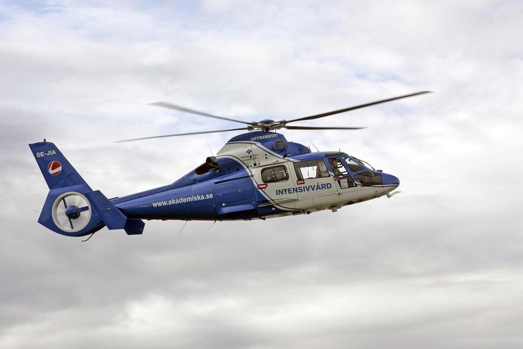 Ambulanshelikoptrar och flygplan