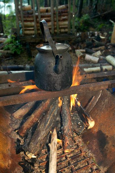 Kaffepanna på öppen eld.