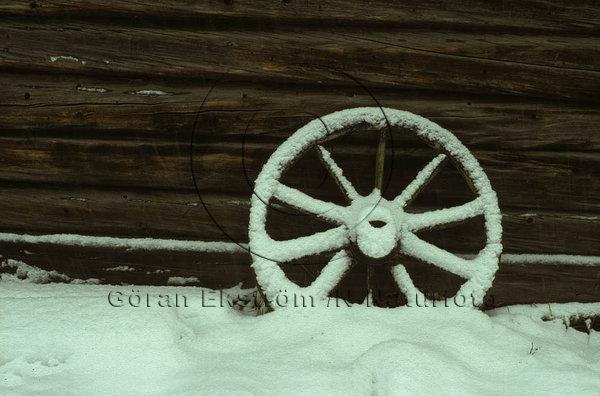 Gammalt vagnshjul
