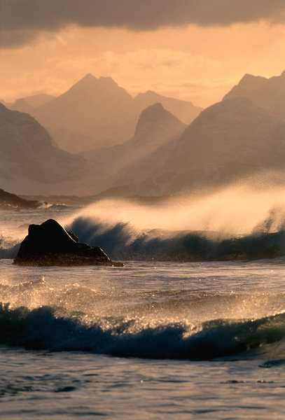 Storm i kustlandskap.
