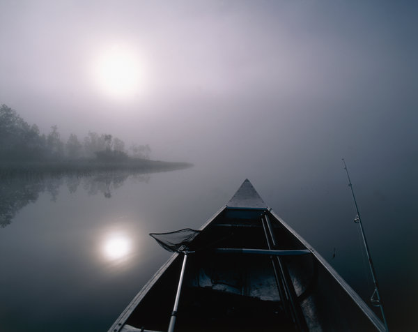 Kanot i gryning