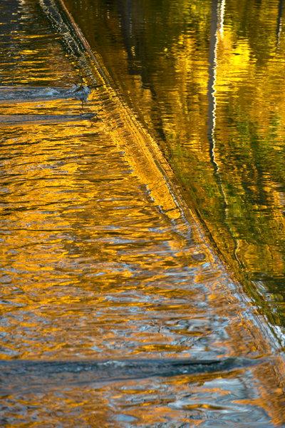 Vattenspegling i Svartån.