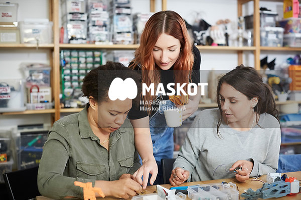 female makers